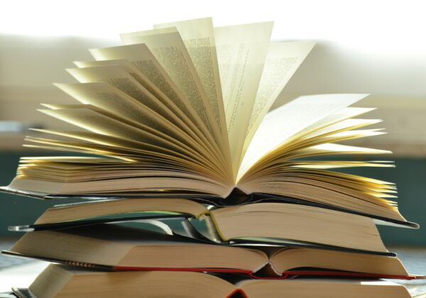 Get Wrapped Up in a Good Book – Adult Fall Reading Program Starts September 16